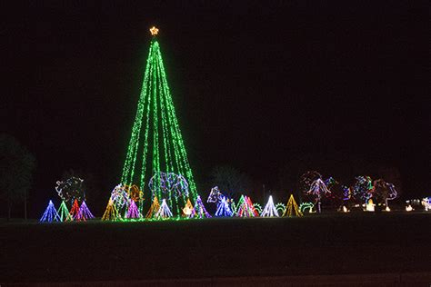 2017 christmas lights sponsored by scheels northeast