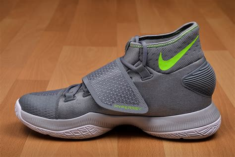 basketball shoe weight nike hyperfuse low basketball shoe weight navis