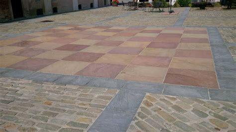 pavimento a scacchiera pavimentazione a scacchiera in pietra gaia a spacco n 176 30