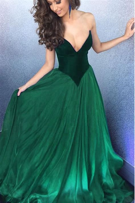 Greeny Dress 25 best ideas about green dresses on