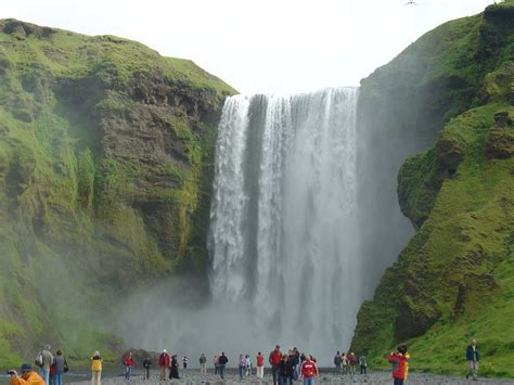 famous falls world tourist places seljalandsfoss waterfalls iceland
