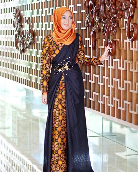 Gaun Batik 44 model baju batik kombinasi brokat modern untuk pesta