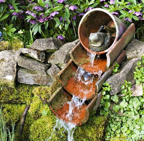 faire une fontaine de jardin 9 exemples de fontaines pour votre jardin d 233 tente jardin