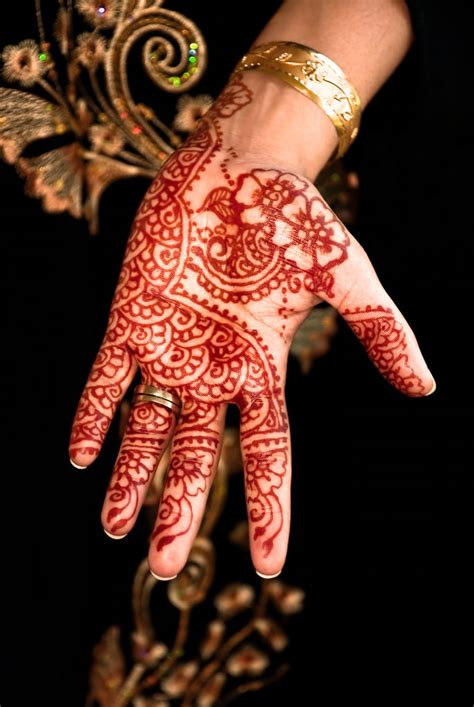 get a henna in india 100 things to do before you