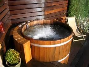 Wooden Barrel Bathtub Outdoor Tub