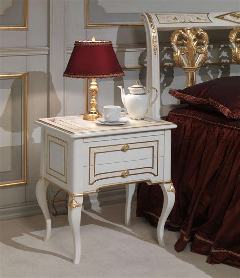lada da comodino in francese da letto classica rubens in stile 700 francese