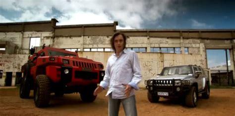 armored hummer top gear video top gear season 17 episode 1 richard blows up a