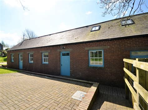 2 bedroom cottage in whitland friendly cottage in