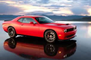 2015 dodge challenger srt hellcat side view with