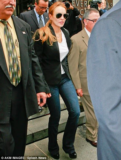 Lindsay Lohan Is Staying In Rehab by Lindsay Lohan I Can T Afford To Stay In Rehab Daily