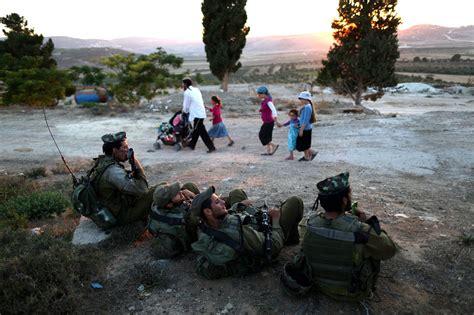 Nabil Jumbo 1967 border is a source of strain in the israeli