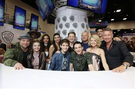 the cast of with a gotham cast www pixshark images galleries with a bite