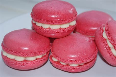 raspberry white chocolate macaroons baking recipes and tutorials the pink whisk