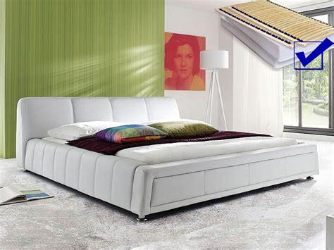 Komplett Schlafzimmer Polsterbett by Polsterbett Komplett Aron Bett 180x200 Weiss Lattenrost