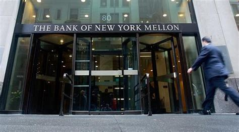 the bank of new york mellon bank of new york mellon looks cheap heading into earnings