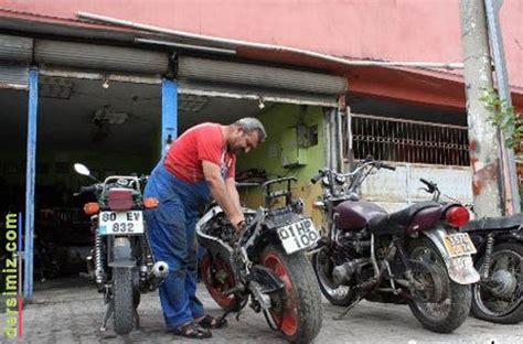 motosiklet tamircisi ile ilgili motosiklet tamircisi