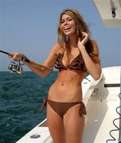 hot babes on boats hot girls on boats fishbox girls pinterest posts