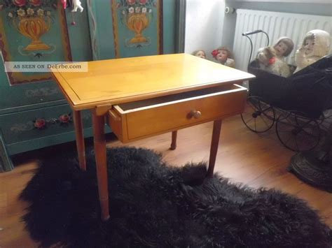 Kleiner Schreibtisch Mit Schublade by Antiker Kleiner Tisch Mit Schublade Tischchen Holztisch