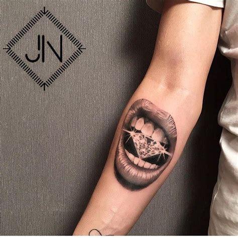 best diamond tattoo designs best 25 tattoos ideas on black