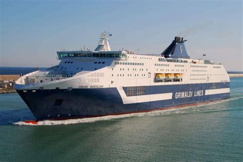 porto torres barcellona nave pasqua a barcellona in nave hotel con lines