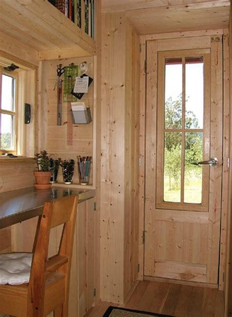 xs house  tumbleweed tiny houses   square feet  wheels
