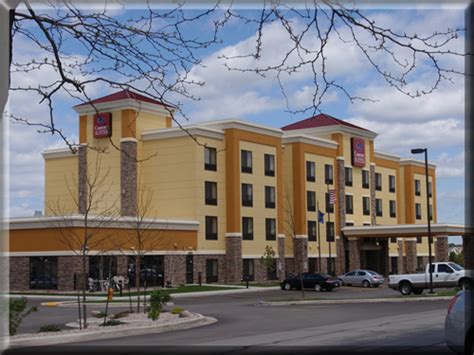 comfort suites oshkosh hotels