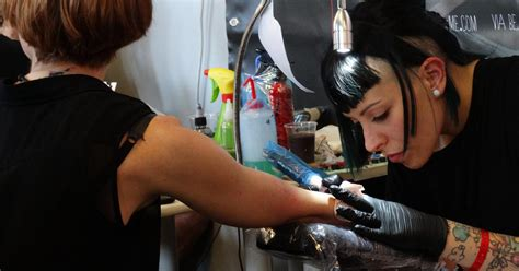 tattoo expo roma 2015 normale routine all expo tattoo expo 2015 melty