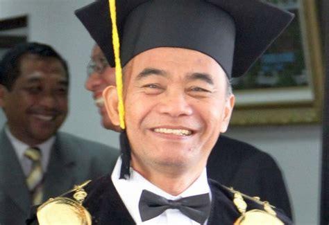 biografi anies baswedan menteri reshuffle kabinet profil muhadjir effendy mendikbud