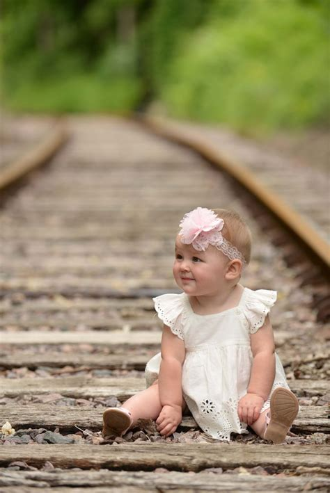 backyard photography ideas toddler photography ideas outside www imgkid com the