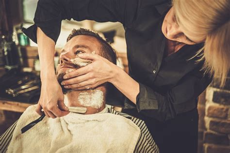 lady barber shaving how to shave with a straight razor straight razor shaving