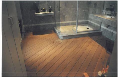 Impressionnant Poser Du Carrelage Mural Salle De Bain #6: parquet-salle-bain-07120653-idee-b-parquet-bambou-dans-salle-de-bain-massif-leroy-merlin-prix-flottant-pour-pas-cher-pont-bateau-en-teck.jpg
