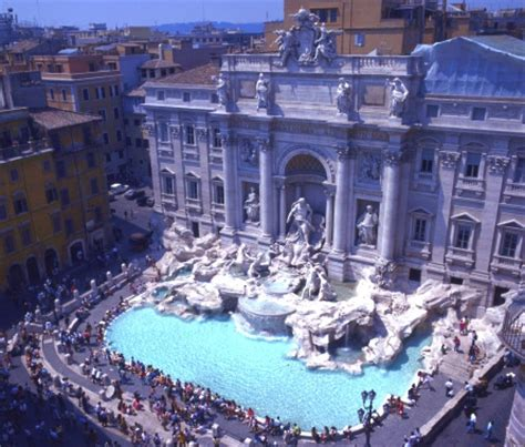 fontana di trevi  the largest baroque fountain in the trevi