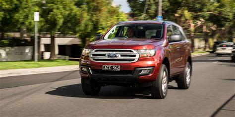 mitsubishi toyota family 4x4 suv comparison ford everest v isuzu mu x v