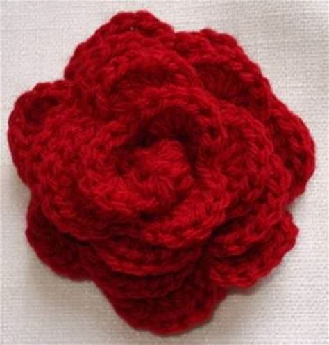 free pattern to crochet a rose crocheted roses pattern cake ideas and designs