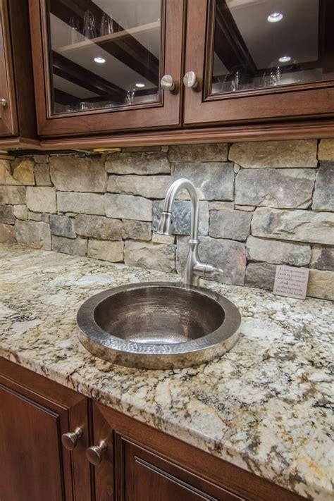 kitchen granite backsplash best 25 backsplash ideas on stacked backsplash kitchen