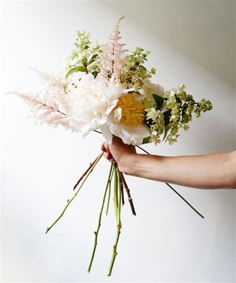 Arranging Wedding Flowers by Diy Wedding Bouquets Flower Arranging Tips