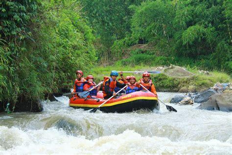 rafting sungai citarik sukabumi paket rafting murah