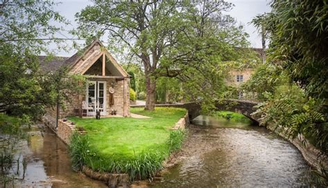 Cottages In Cotswolds With Dogs by 10 Luxury Friendly Cottages In The Uk Styletails