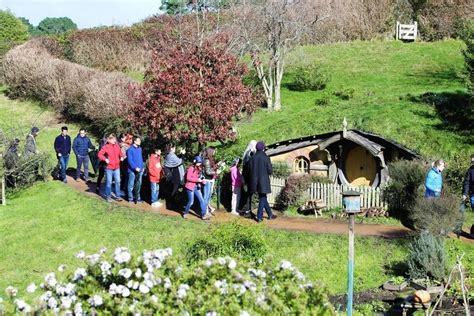 hobbit house new zealand fairy tale scenery pinterest wonderland of the dwarves in new zealand hobbiton fairy