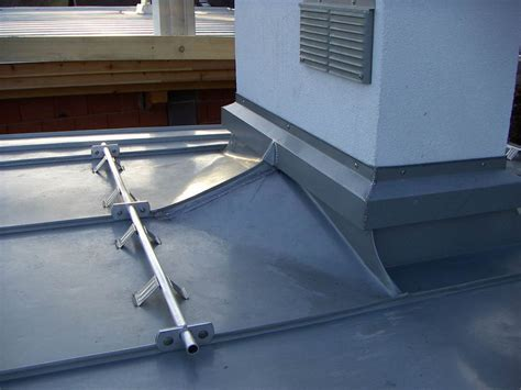 camini tetto accessori per il tetto doppio aggraffato in diversi materiali