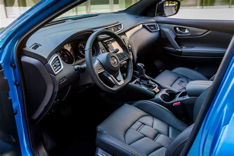 nissan qashqai interior 2017 nissan release details on 2017 qashqai carwitter