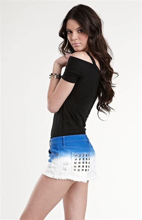 Kaos Tshirt Timebomb 61150013 picture of kendall jenner
