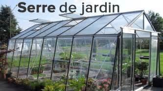 serre de jardin bois polycarbonate ou plastique pas cher