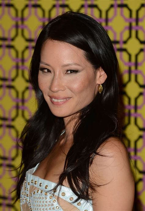 lucy liu straight hair the glossiest a list styles instyle uk best hairstyles on celebs over 40 lucy liu s straight mane