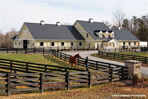 love big farm houses farm houses barns pinterest whitestone farm looks like a nice place dream horse