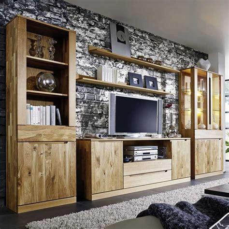 wohnzimmerwand echtholz 25 best wohnwand massiv ideas on