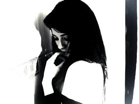 gambar hitam putih cewek  wallpaper teahubio