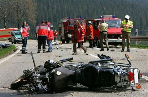 T Dlicher Motorradunfall A5 by T 246 Dlicher Unfall Bei Freiburg Motorrad Touchiert Und Dann