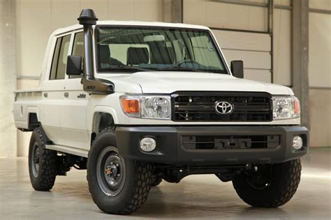 land cruiser 70 pickup us legal toyota land cruiser 70 pops up on ebay