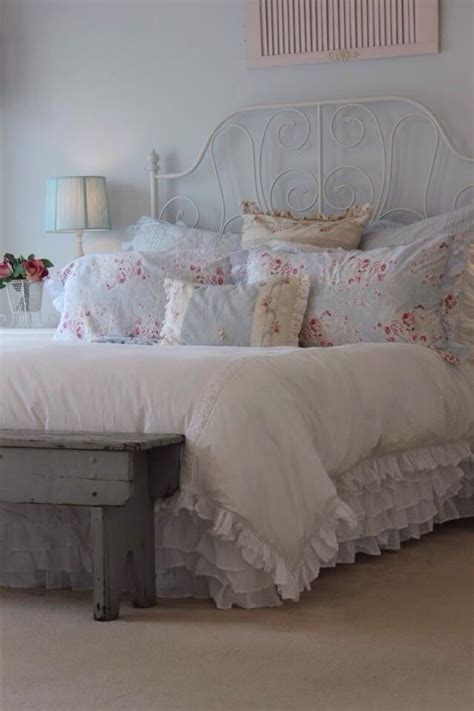 shabby chic bedroom sets 25 best ideas about shabby chic bedrooms on pinterest 17044 | 48cdc43684808aa797d6f924af7f2c72